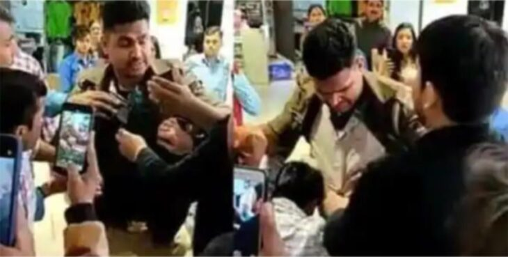 Up police constable stole the shirt in lucknow shopping mall