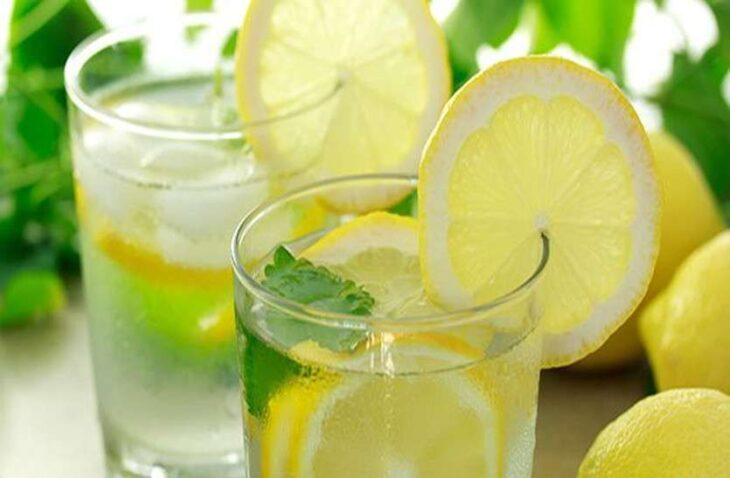 Immunity Booster Drink : जानिए कोरोना से बचाने वाले हेल्दी ड्रिंक्स के बारे में